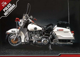 Classic Police Motorcycle 1/10 Academy