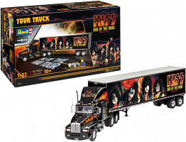Truck & Trailer Kiss on the tour Gift Set 1/32