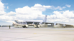 Boeing B-52G StratofortressEarly with Hound-Dog 1/72