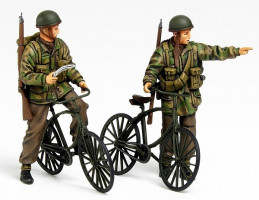 WWII Brit. Paratroopers w/Parabike  1/35