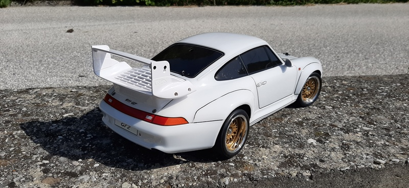 RC_model_Porsche_911_Tamiya_47321_stavba_25